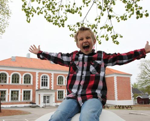 niklas-happy-school-boy